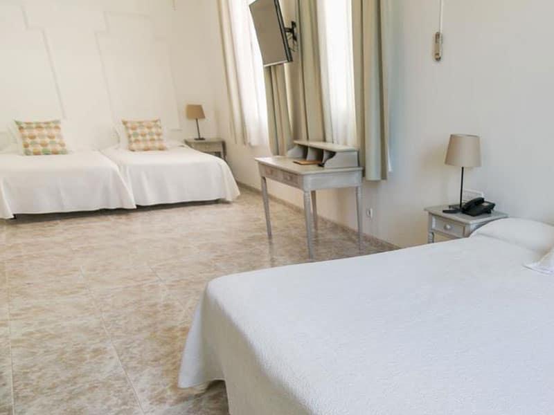 Отель Capri Sitges