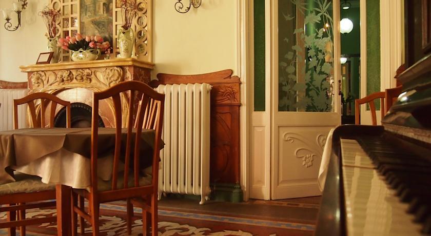 Hotel El Xalet Noucentista