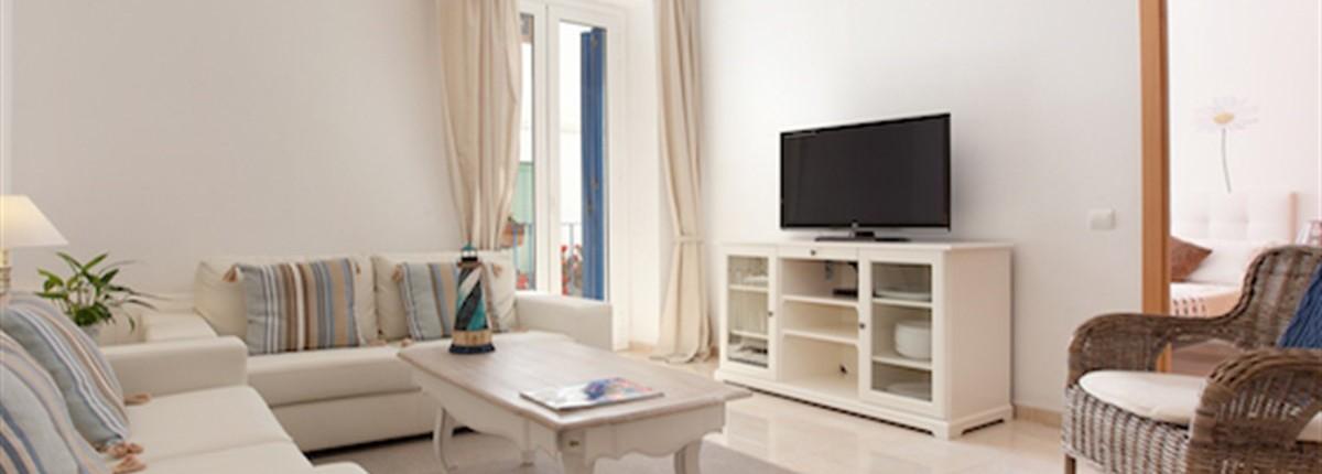 The Blaumar Balcony Apartment