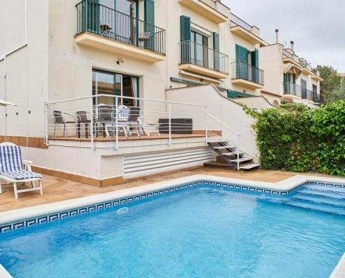 https://www.booking.com/hotel/es/casa-garcia-sitges.html?aid=308283;label=villas