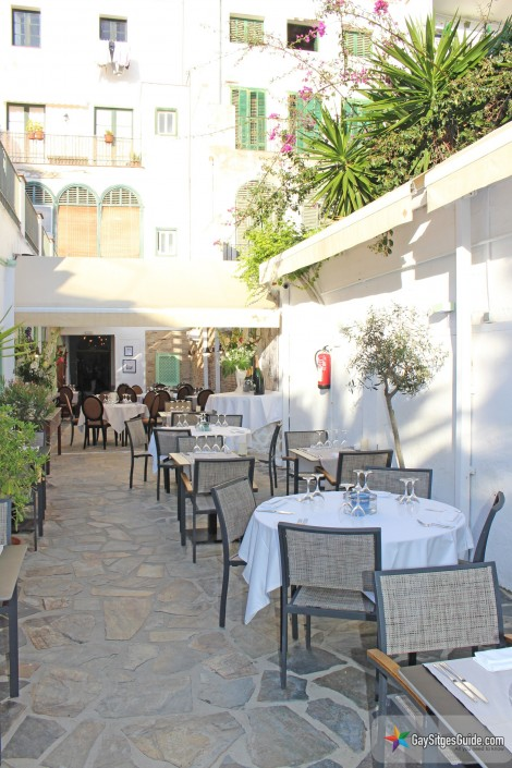 le patio restaurant reopens for summer 2016 with new quot inside outside quot terrace