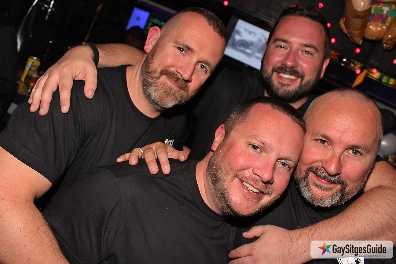 Pub gay bear valencia