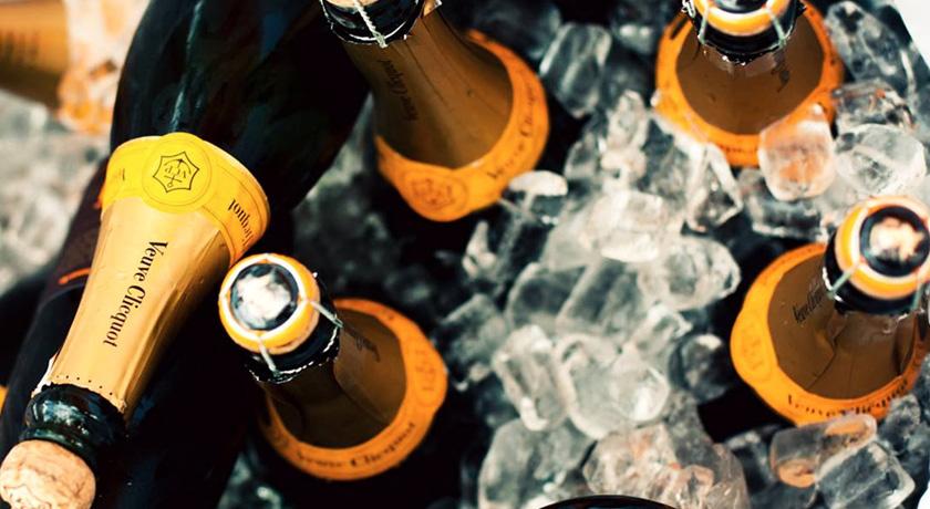 Yummy Sitges Champagne
